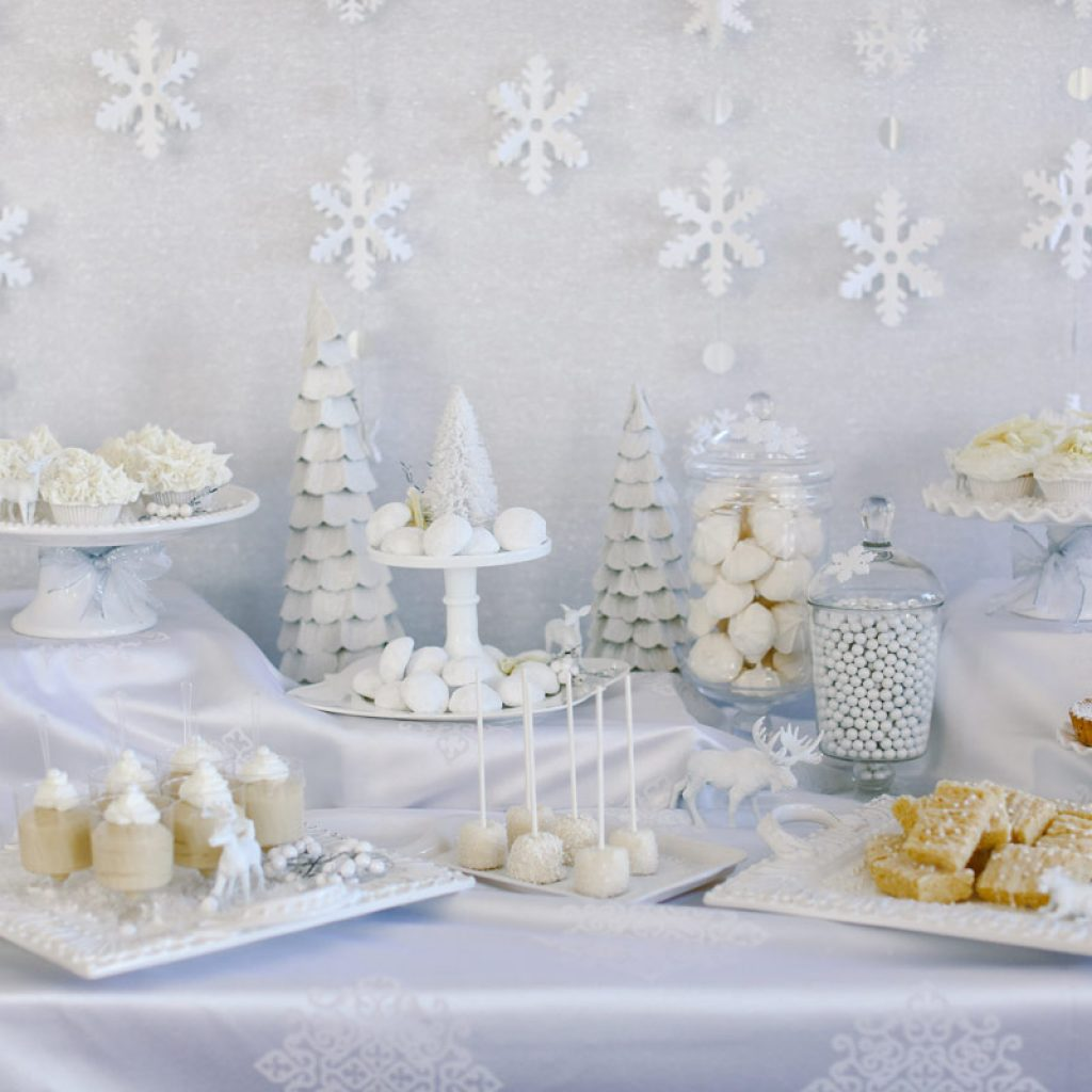 Christmas Colored Desserts With White Evite