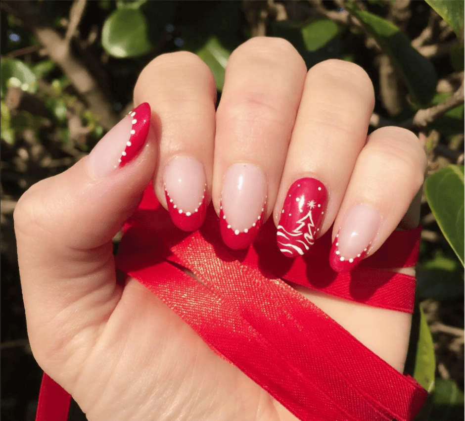 Christmas Colored Nails With Nail Art For Girls 2016 Inspired By Trendy Mods Com