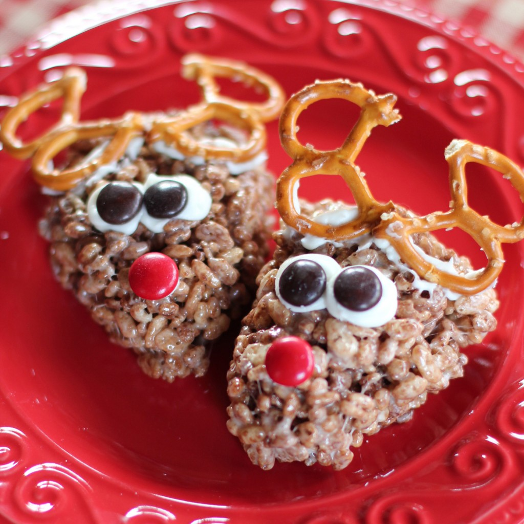 Christmas Colored Rice Krispie Treats With Krispy Mommysavers