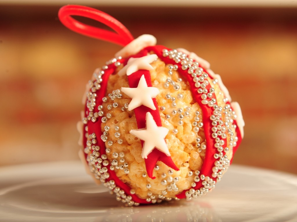 Christmas Colored Rice Krispies With 20 Cool Treats Using Kellogg S Forkly