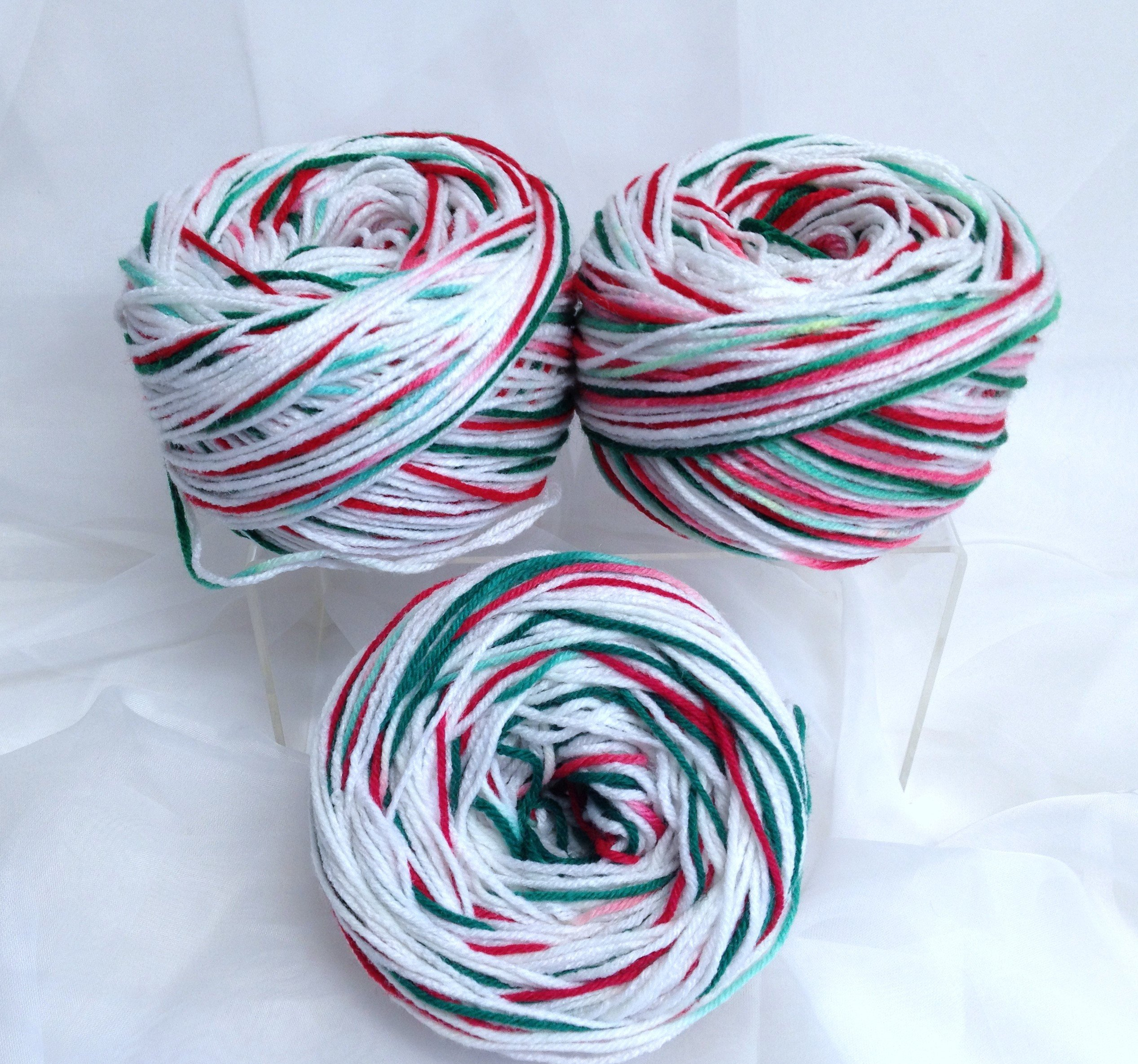Christmas Colored Yarn With Double Stranded White Variegated Candy Cane