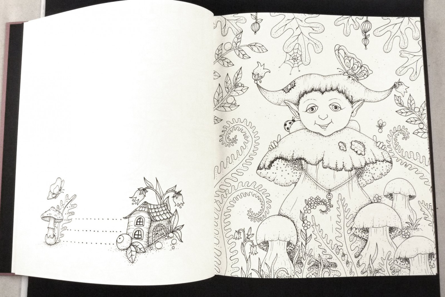 Magical Delights Colouring Book : Published in Czech as Carovne ..
