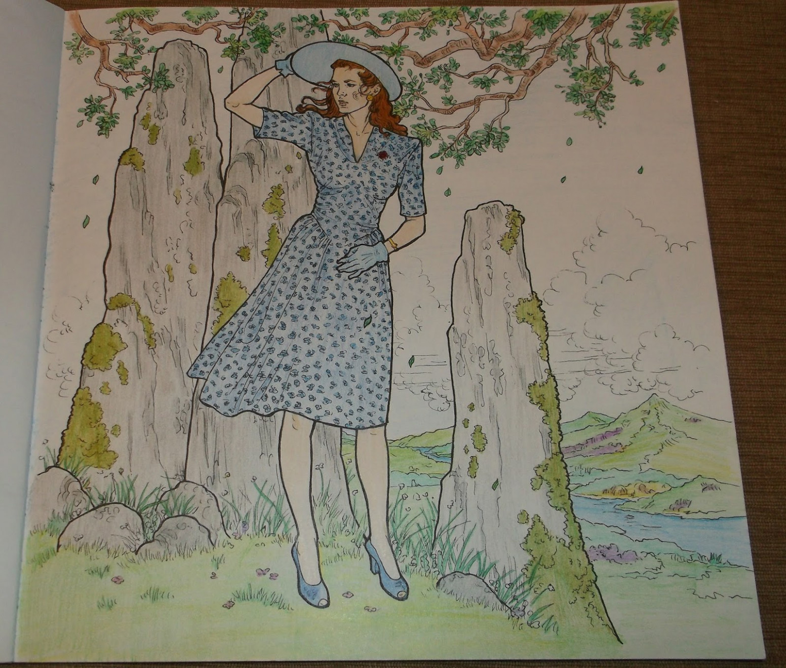 Simply Angela : The Official Outlander Coloring Book